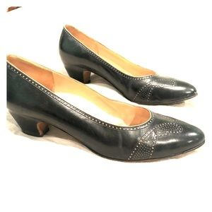Vintage Salvatore Ferragamo Pumps / Heels size 9